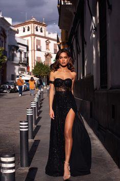 Ayelet – Black Ayelet – Black Strapless High Waist Glitter Gown w… - Kleidung Ideen Glam Dresses, Pretty Dresses, Beautiful Dresses, Fashion Dresses, Formal Dresses, Casual Dresses, Sexy Dresses, Summer Dresses, Black Evening Dresses