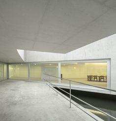 Edifício sobre a Água / Álvaro Siza   Carlos Castanheira  © Fernando Guerra | FG + SG