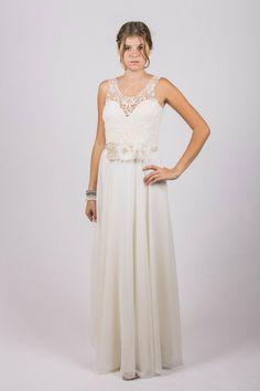 JESSICA Floral Lace Long Bridal Dress Custom Size von Rose Voila auf DaWanda.com