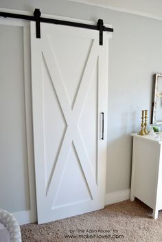 DIY Bedroom Decor Ideas - Super Simple Barn Door - Easy Room Decor Projects for The Home - Cheap Farmhouse Crafts, Wall Art Idea, Bed and Bedding, Furniture Sliding Barn Door Track, Diy Barn Door, Barn Door Hardware, Sliding Doors, Front Doors, Cool Diy, Diy Quilt, Diy Room Decor, Bedroom Decor