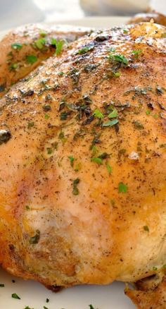 5 minutes to put the chicken in the slow cooker in the morning then with 15 minutes effort you'll have an insanely juicy golden roast chicken for dinner. This Slow Cooker Roast Chicken is an absolute crowd pleaser! Best Crockpot Recipes, Slow Cooker Recipes, New Recipes, Favorite Recipes, Crockpot Meals, Roast Chicken, Rotisserie Chicken, Plan Ahead Meals