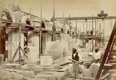 Masons constructing the Melbourne General Post Office in 1861. 🌹