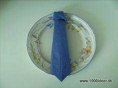 Fold servietten som et slips – konfirmation eller fødselsdag