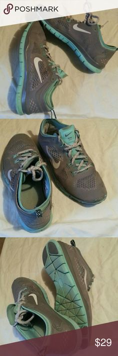 Nike  free  true-fit 4 athletic  shoes Size  7 Nike Free Nike Shoes Athletic Shoes