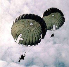 To every US Paratrooper that ever felt the breeze across their knees - Thank you! Airborne Army, Airborne Ranger, South African Air Force, Let's Make Art, Military Drawings, Military Photos, Paratrooper, Special Forces, Military Aircraft