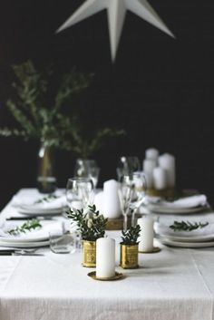 Holiday tablesetting inspiration from last year 🌿 Christmas Food Gifts, Homemade Christmas Gifts, Christmas Time, Christmas Decorations, Tabletop, Christmas In Australia, Table Setting Inspiration, Christmas Table Settings, Scandinavian Christmas