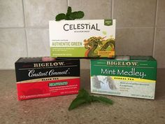 Here are six different ways to use three different teas - black, green, and mint.You can use unused or used tea bags; however, in some of the tips, the tea must be dry. This is a great way to recycle your tea after you've enjoyed a spot of tea. Cleaning Solutions, Cleaning Hacks, Cleaning Recipes, Cleaning Products, Natural Toilet Cleaner, Toilet Bowl Ring, Used Tea Bags, Garden Labels, Toilet Cleaning