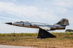 2006-05-15, This F-104G Starfighter (c/n 6620 – ex 20+99) was an ex-German Air Force airplane. After it's active lif it was preserved at the gate at Beja AFB (Portugal).