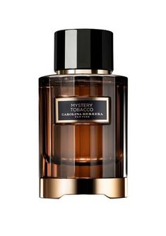 Discover the fragrances of Carolina Herrera New York: the timeless classics, the intense Herrera Confidential or the masculine fragrances of the House. Dior Perfume, Perfume Scents, Perfume And Cologne, Perfume Bottles, Best Perfume For Men, Best Fragrance For Men, Best Fragrances, Perfume Carolina Herrera, Perfume Display