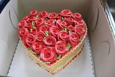Rose frosting heart shape cake Source by KawtharALHassan Cute Cakes, Pretty Cakes, Yummy Cakes, Beautiful Cakes, Amazing Cakes, Heart Shaped Cakes, Heart Cakes, Cake Bars, Rose Frosting