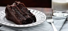 The best chocolate cake recipe in the world. Seriously incredible rich, moist chocolate cake and absolutely foolproof. Just Desserts, Delicious Desserts, Yummy Food, Food Cakes, Cupcake Cakes, Cake Recipes, Dessert Recipes, Dessert Food, Dinner Recipes