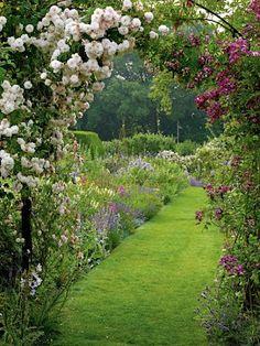 Curta seu estilo Empório das Gravatas em um lugar aconchegante ~ www.emporiodasgravatas.com.br ... Gertrude Jekyll's garden. Lovely