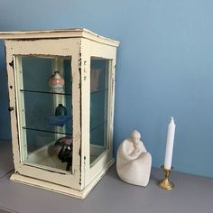 @ourhousejournal Bathroom Medicine Cabinet, Nye, Robin, Lisa, Home Decor, Beauty, Pintura, Asylum, Decoration Home