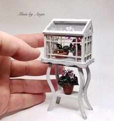 Gewächshaus. Puppenhaus Miniatur Gewächshaus. von MinisbyAngie