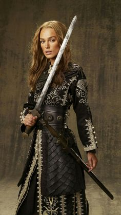 Elizabeth Swann (Keira Knightley) 'Pirates of the Caribbean: At World's End' Steampunk Pirate Costume designed by Penny Rose. Keira Knightley Pirates, Keira Christina Knightley, Keira Knightley Movies, Captain Jack Sparrow, Captain Swan, Johnny Depp, Film Pirates, Long John Silver, Cosplay Costume