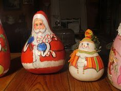 Christys Crafts: Just a few of my gourds
