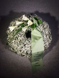 Funeral Flower Arrangements, Funeral Flowers, Floral Arrangements, Flower Aesthetic, Aesthetic Images, Aesthetic Photo, Wallpaper Pictures, All Flowers, Flower Pictures