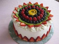 Having said that I am going to share 23 easy cake decorating ideas where you can get inspiration from for your next quick baking session. Mini Cakes, Cupcake Cakes, Cake Decorated With Fruit, Low Fat Cake, Fresh Fruit Cake, Fruit Cakes, Fruit Fruit, Fruit Flan, Watermelon Cake