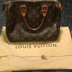 Louis Vuitton speedy 25 bag Louis Vuitton speedy 25 bag, great condition, key and dust bag included. I take amazing care of all my items, look at my reviews and comments!! Super prideful on selling amazing items  Louis Vuitton Bags Hobos