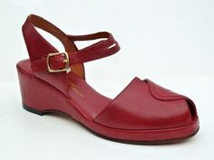 "Picasso. Red , dark green ,black, sand, eggplant. 1/2"" platfor, 2"" wedge heel. 1940-50's. . $ 178 Re-Mix+Vintage+Shoes"