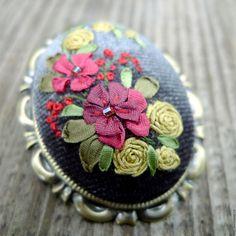 Купить Брошь с вышивкой лентами Очарование осени - бордовый, цвета осени, брошь…