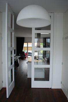 FritsJurgens Taatsdeuren in een project van Bruining Interieur. #binnendeur #taatsdeuren