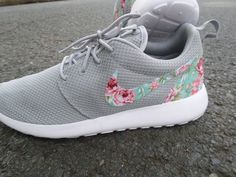 Brand New Authentic Nike Roshe Run Custom Wolf Grey Floral which features a Floral Swoosh design, perfect for any time of the year and sure to