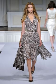 Oscar de la Renta Resort 2011 - Runway Photos - Fashion Week - Runway, Fashion Shows and Collections - Vogue