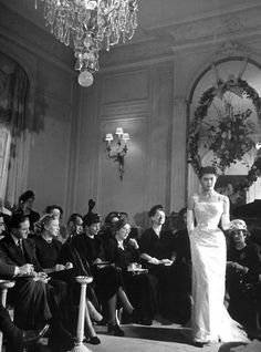 Photos from a Christian Dior show in 1948, when the designer was launching a couture revolution and reinventing high fashion.