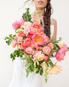 Learn to design incredible bouquets like this during the Workshop Tour. Coral Charm Peony, Peach Ranunculus, chantily snapdragon, shimmer roses and hand designed bouquet. Cascading Bridal Bouquets, Cascade Bouquet, Wedding Bouquets, Wedding Flowers, Coral Charm Peony, Coral Peonies, Ranunculus Bouquet, White Ranunculus, Virtual Flowers