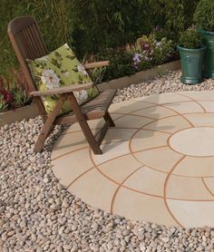 With superb colour and veining variations, Smooth Natural Sandstone is a stunning natural stone paving solution, with our spinning circle providing a stylish option to the paving range. Bradstone Paving, Block Paving, Paving Stones, Patio Design, Garden Design, Garden Inspiration, Garden Ideas, Spinning Circle, Driveway Blocks