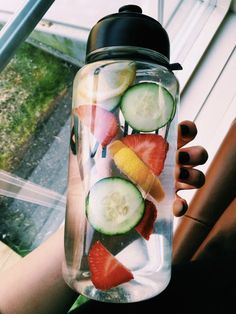 ✰ - Healthy lifestyle, healthy recipes, healthy snacks, healthy and everything Yummy Drinks, Healthy Drinks, Healthy Snacks, Healthy Recipes, Healthy Water, Breakfast Healthy, Nutrition Drinks, Healthy Detox, Dinner Healthy