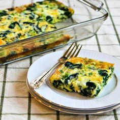 40 Meals Under 400 Calories Spinach and Mozzarella Egg Bake – 40 Easy Recipes Under 400 Calories – Shape Magazine – Page 25 Brunch Recipes, Diet Recipes, Breakfast Recipes, Cooking Recipes, Breakfast Sandwiches, Beach Meals, Spinach And Cheese, Egg Spinach Bake, Grated Cheese