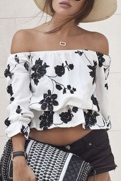 blouse lace Picture - More Detailed Picture about Women White Slash Neck Blouse Floral Print Sexy Crop Top Loose Cropped Tee Casual blusas feminino cheap clothes china ropa mujer Picture in Blouses & Shirts from V. Passion For Fashion, Love Fashion, Womens Fashion, Fashion Trends, Fashion Inspiration, Fashion Black, Fashion Models, Style Fashion, Shoulder Off