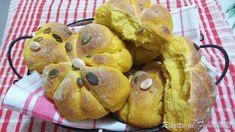 Panini di Halloween ossia pane alla zucca Panini, Muffin, Halloween, Breakfast, Food, Morning Coffee, Essen, Muffins, Meals