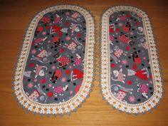 CUSTOM ORDER - Aunt Roo's Knitty Kitty fabric table runners (set of 2) w/ crocheted edging...