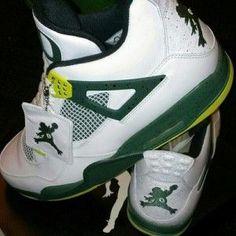 Oregon Ducks 2013 basketball shoes: Air Jordans with a custom Duck Jumpman http://gamedayr.com/gamedayr/new-custom-oregon-ducks-air-jordans/