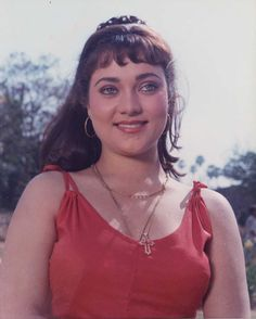 Mandakini is a former Bollywood actress. She is best remembered for her role in the 1985 movie Ram Teri Ganga Maili Most Beautiful Bollywood Actress, India Beauty, Woman Face, Indian Actresses, Beauty Women, Beautiful Women, Celebrities, Samar, Hindu Art