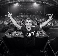 There are people who would change your life and thoughts. Christofer Drew was one of them. But this is Martin Garrix.