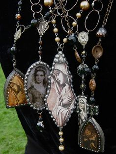 7 1//2 Inch August Birth Month Bead Rosary Bracelet with Patron Saint Petite Charm