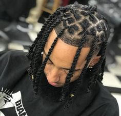 34 estilos de Tranças Twists e Dreadlocks para Homens O Cara Fashion Braid Styles For Men, Hair Twist Styles, Natural Hair Styles, Long Hair Styles, Boy Braids Hairstyles, Dreadlock Hairstyles For Men, Black Twist Hairstyles, Mens Dreadlock Styles, Dreads Styles