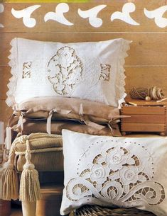 Diskusia na LiveInternet - ruský servis Online denníky Cutwork Embroidery, Embroidery Works, Hand Embroidery Patterns, Embroidery Designs, Shaggy Cushions, Pin Cushions, Diy Throw Pillows, Bed Pillows, Cushion Covers