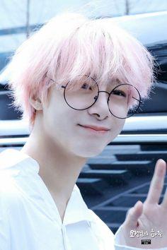 Hyungwon Pink Hair