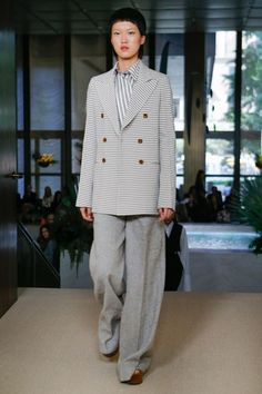See the full Spring 2018 collection from Derek Lam.