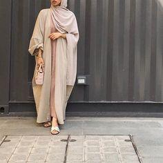 IG: epiphany.dubai | open#abaya