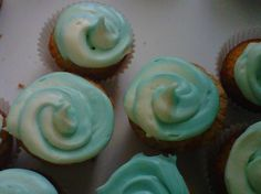 tie dye cupcakes for yom ha'atzmaut!! (for frosting technique, click image and look at Rachel's yummy treats board)