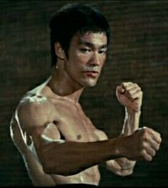 Bruce Lee - The Way of the Dragon - Bruce Lee Art, Bruce Lee Martial Arts, Bruce Lee Photos, Return Of The Dragon, Way Of The Dragon, Enter The Dragon, Martial Arts Movies, Martial Artists, Brandon Lee