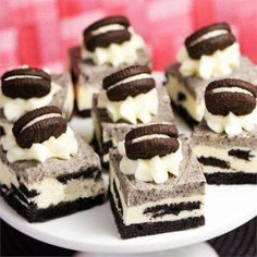 """World's best Oreo® Fudge I """"It's soooo delicious! Tastes like the inside of an Oreo with delicious little biscuits! Fudge Recipes, Candy Recipes, Sweet Recipes, Cookie Recipes, Dessert Recipes, Holiday Desserts, Just Desserts, Delicious Desserts, Yummy Food"""