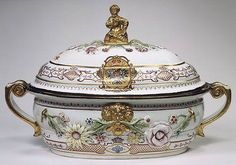 Tureen and cover with Russian imperial coat of arms, ca. 1735