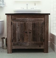 Reclaimed Wood Farmhouse Vanity - Do It Yourself Home Projects Diy Pallet Projects, Furniture Projects, Home Projects, Diy Furniture, Primitive Furniture, Furniture Plans, Reclaimed Wood Vanity, Weathered Wood, Barn Wood